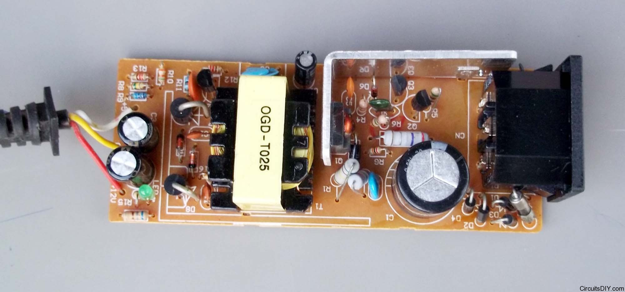 Led Circuit 5v Light Emitting Diode Flasher Ledandlightcircuit You Can See Gnd And 12v